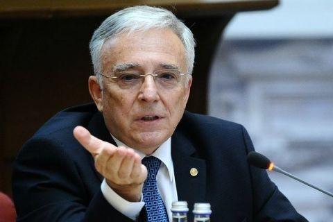 Guvernatorul BNR si-a facut public salariul. Cat castiga Mugur Isarescu