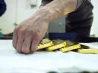 Aurul a incheiat cel mai bun trimestru din ultimii 30 de ani. Evolutia incerta a economiilor lumii impinge investitorii catre active de refugiu