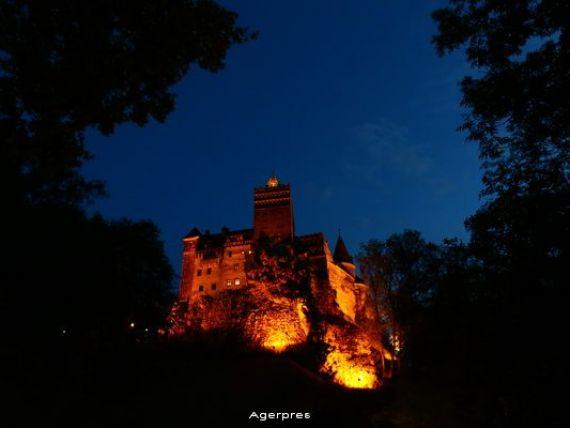 Biserica Neagra, Castelul Bran si Cetatea Rasnov, vizitate anul trecut de peste 1,2 milioane turisti, numar in crestere fata de 2014