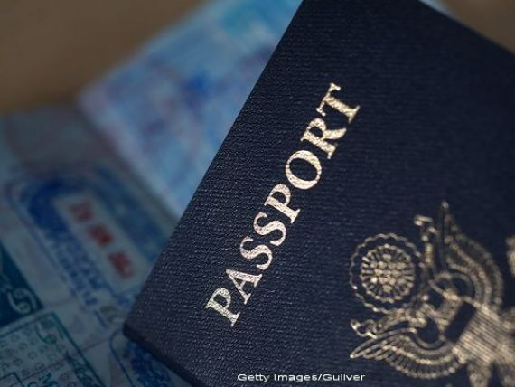 Cat costa sa renunti la pasaportul american. SUA fac milioane de dolari, dupa ce au marit de cinci ori taxa care trebuie platita pentru a scapa de cetatenie