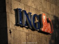 Grupul olandez ING raporteaza profit in scadere cu 30% fata de anul trecut, ca urmare a majorarii costurilor de reglementare