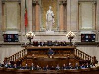 Portugalia, pentru prima data in ultimii 40 de ani, fata in fata cu un executiv al unei aliante a stangii. Premierul Coelho, inaintea caderii previzibile a guvernului de dreapta: Va ruina tara