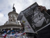 Charlie Hebdo, la un an de la atacurile teroriste. Cine apare pe coperta