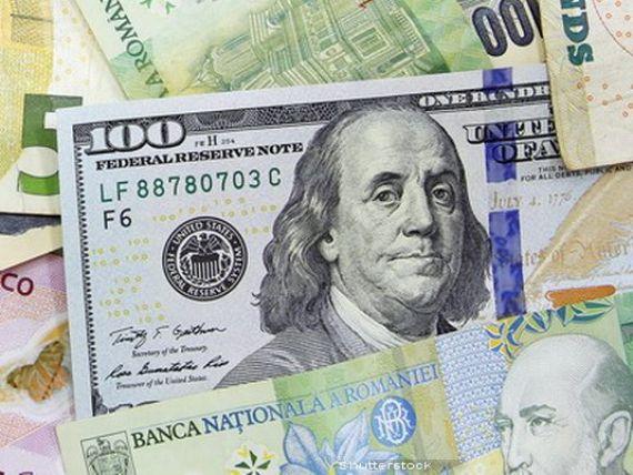 Dolarul ar putea ajunge la 4,5 lei in prima jumatate a anului