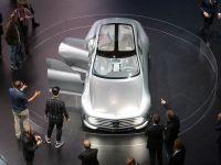 Mercedes depaseste BMW la vanzari, in prima jumatate a anului, si spera sa redevina cel mai mare producator auto de lux la nivel mondial