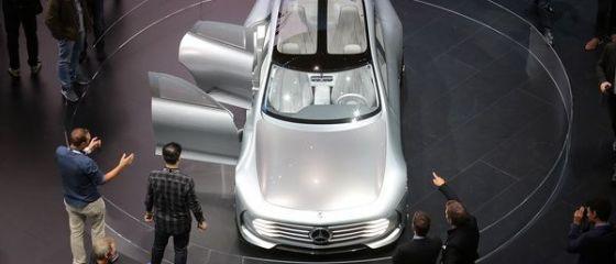 Mercedes a devenit lider mondial pe segmentul automobilelor de lux in ianuarie. BMW a cazut pe trei