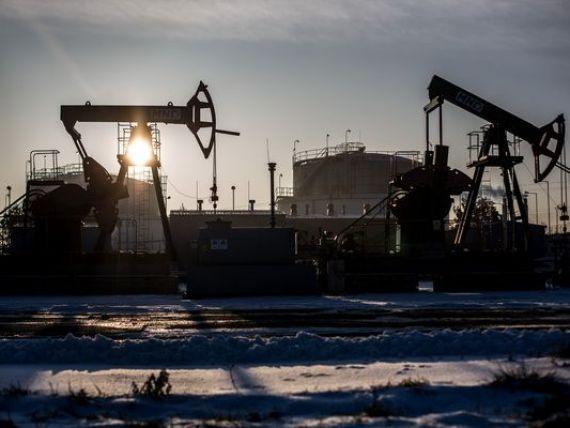 S P: Scaderea pretului petrolului, un risc semnificativ pentru economie. Cele mai afectate tari