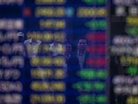 """Bursele asiatice si monedele emergente, in cadere. Analist: """"Vom continua sa asistam la un razboi intre nervozitatea investitorilor si indicatorii tehnici"""""""