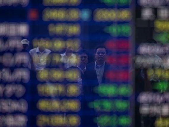 Bursa de la Tokyo a inchis in picaj cu 2,43%, o cadere de aproape 16% de la inceputul anului. Actiunile europene, in crestere, in asteptarea discursului lui Draghi