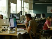 """44% dintre reprezentantii generatiei Y si-ar parasi angajatorii actuali in urmatorii doi ani. """"Radiografia"""" oferita mediului de afaceri"""