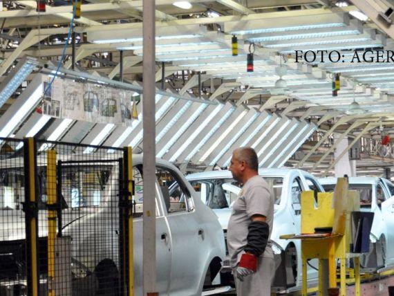 Salariile la Dacia vor creste cu 5%. Toti angajatii vor lua prime pentru rezultatele din 2015