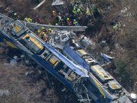 Coliziune intre doua trenuri in Germania: 10 morti si 81 de raniti. Probleme tehnice sau o eroare umana, posibile cauze ale accidentului