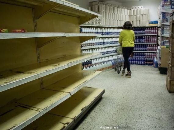 Venezuela,  ingropata  de prabusirea pretului petrolului, plasata in  stare de urgenta economica  de catre justitie