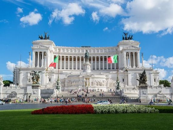 Liderul extremei drepte de la Roma, unul dintre câștigătorii alegerilor, spune că moneda unică este  o eroare  și nu exclude posibilitatea ieșirii Italiei din zona euro