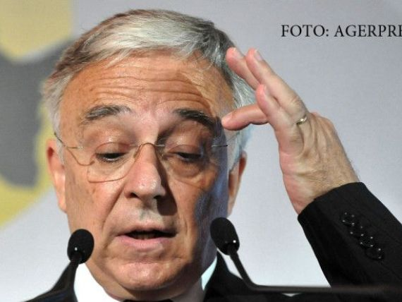 Mugur Isarescu, despre protestul debitorilor la banci:  Sa arunci lei e ca si cum ai fluiera imnul