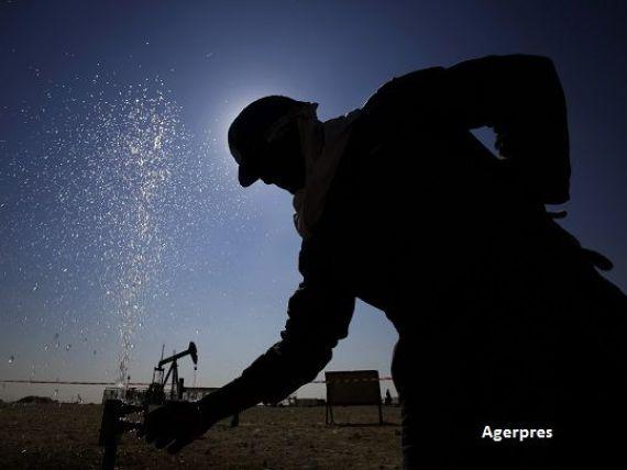 Arabia Saudita vrea sa imprumute de la banci 8 miliarde de dolari, pentru a acoperi deficitul bugetar record provocat de ieftinirea petrolului