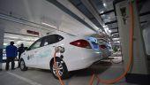 Unu din trei români care își caută maşină intenţionează să cumpere un automobil electric