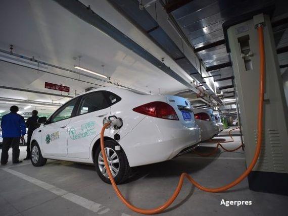 China vrea sa dubleze productia si vanzarea de vehicule electrice, in 2016