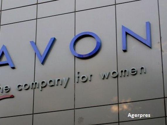 Avon desfiinteaza 2.500 de locuri de munca si-si muta sediul in Marea Britanie, dupa preluarea de catre Cerberus Capital