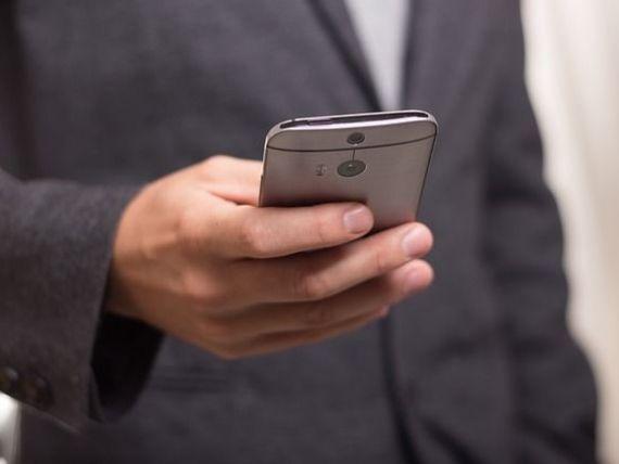 Semnal de alarma de la Kaspersky: Majoritatea posesorilor de smartphone stocheaza informatii confidentiale si doar un sfert isi protejeaza telefonul