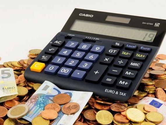 Bloomberg: Romania, la limita deficitului excesiv, in 2016. Desi are o crestere economica puternica, tara a redus taxe si a majorat salarii inaintea alegerilor