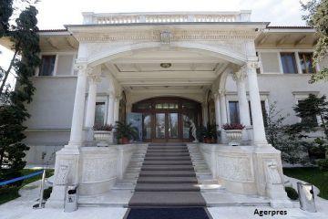 Fosta casa a sotilor Ceausescu, evaluata la 18-22 mil. euro. Cum arata Palatul Primaverii, resedinta cu 80 de camere, tapetate in matase