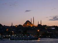 Economia Turciei a crescut peste asteptari, in 2015, in ciuda tensiunilor cu Rusia si a atentatelor