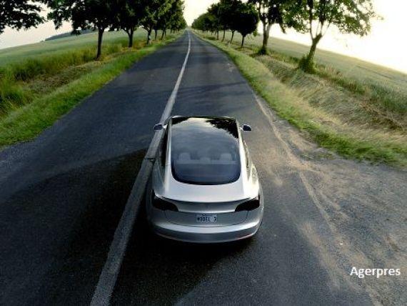Tesla, investigata in SUA, dupa ce o masina dotata cu un sistem care ii confera autonomie a fost implicata intr-un accident mortal