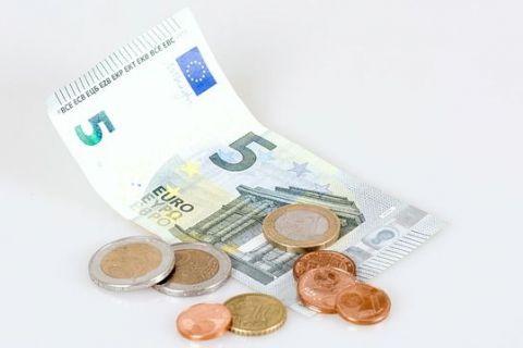 Romanii castiga 5,5 euro pe ora, de 5 ori mai putin fata de media UE. Danezii primesc de 8 ori mai mult si sunt europenii cel mai bine platiti