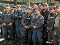 """Greva minerilor din Oltenia ia amploare. """"Laudele nu țin de foame și cald"""""""