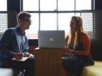 Ce-si doresc tinerii de la locul de munca: program flexibil si avansare rapida. Beneficiile, la fel de importante ca salariul