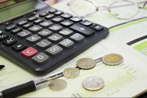 Analiști: Prețurile vor exploda în următoarele luni. Banii câștigați în plus anul trecut la salarii și pensii se vor topi sub presiunea inflației