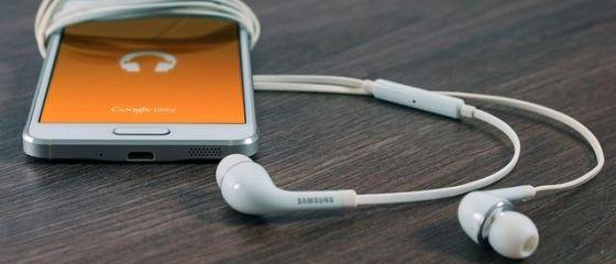 Samsung ramane cel mai mare producator de telefoane inteligente. Cota de piata a Apple scade pentru prima data, in timp ce chinezii vin puternic din urma