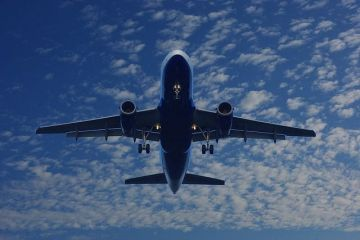 Black Friday la Blue Air și Wizz Air. Unde poți zbura cu prețuri reduse la biletele de avion
