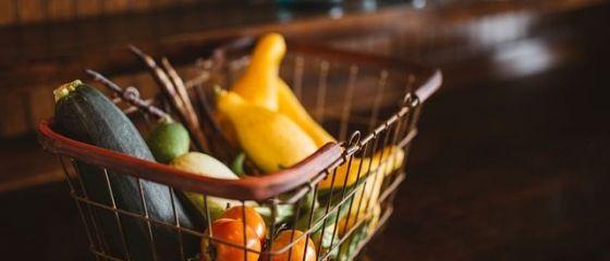 Inflatia a coborat, in mai, la un nou minim negativ: minus 3,5%. Alimentele s-au ieftinit cel mai mult