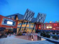 Sun Plaza se extinde pe 11.000 mp si cu 40 de magazine noi. Ce branduri intra in centrul comercial din Berceni