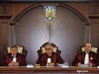 Guvernul, in razboi cu Parlamentul. Executivul a atacat la CCR mai multe modificari legislative care acorda diferite sporuri angajatilor statului