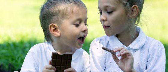 Un roman mananca o ciocolata si jumatate pe luna, dar tara noastra exporta produse din cacao