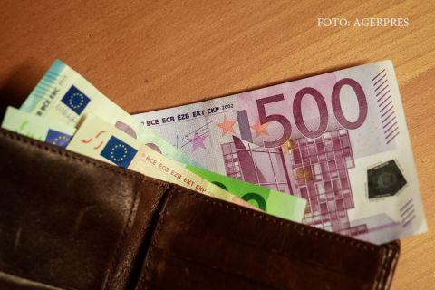 Bancnota euro care va disparea in curand din cauza infractiunilor. Metoda prin care oricine poate recunoaste banii falsi