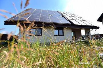 Bugetul pentru  Casa Verde  a fost suplimentat cu 20 de milioane de lei. Aproape 70% din suma alocata initial s-a epuizat in cateva zile