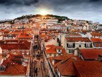 Record de turisti in Spania si Portugalia, pe fondul atacurilor teroriste din Turcia si Franta. Turismul genereaza 10% din PIB-ul celor doua economii