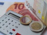 Leul se apreciaza in raport cu principalele valute. Euro se mentine aproape de 4,45 lei