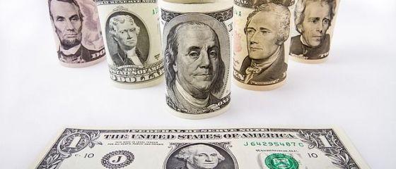Dolarul se apreciaza incontinuu de la alegerile prezidentiale din SUA. La BNR, moneda americana a ajuns la maximul ultimelor 10 luni
