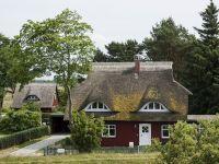 Cum afecteaza numarul mare de proprietari de locuinte dintr-o tara stabilitatea financiara. Studiu de caz: Marea Britanie vs. Germania