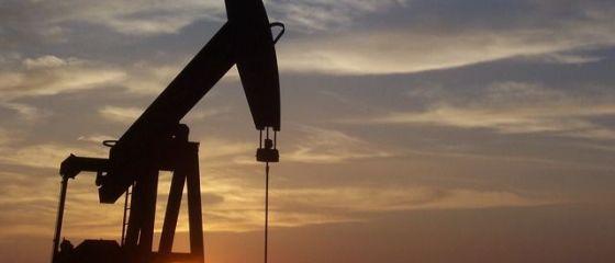 Prețul petrolului s-ar putea prăbuși din nou, punând țările arabe în dificultate. Producţia din exploatările de şist din SUA va atinge un nou record în septembrie