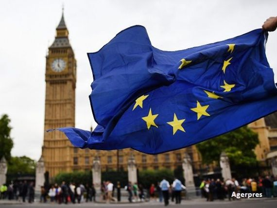 Theresa May sugereaza ca Marea Britanie se indreapta catre un  hard Brexit  si va parasi piata unica. Lira, la cel mai scazut nivel din octombrie 2016