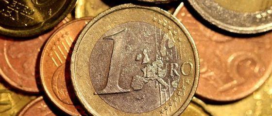 Leul s-a intrarit in fata principalelor valute. Euro coboara la 4,51 lei