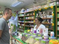 Romania, te iubesc!  Loteria produselor naturiste: vanzatorii spun ca trateaza bolile, medicii, ca le provoaca. Care este cel mai falsificat ceai