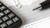 CE a revizuit in urcare estimarea de crestere economica a Romaniei, care ramane insa sub prognoza Guvernului. Deficitul ar putea ajunge la 3,6% in acest an si la 3,9%, in 2018