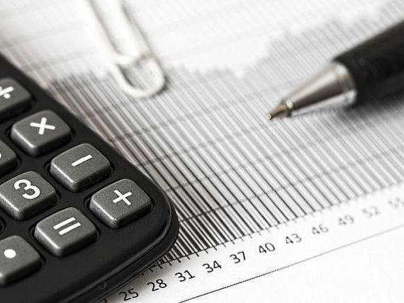 Financial Times: Șapte milioane de angajați din România vor suferi o reducere semnificativă a pensiilor, în urma reformelor Guvernului